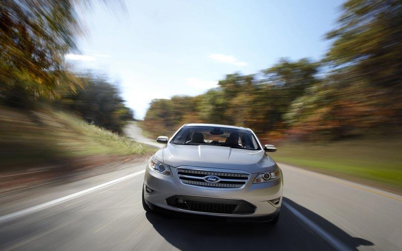 Фото Ford Taurus  (2009-2011)