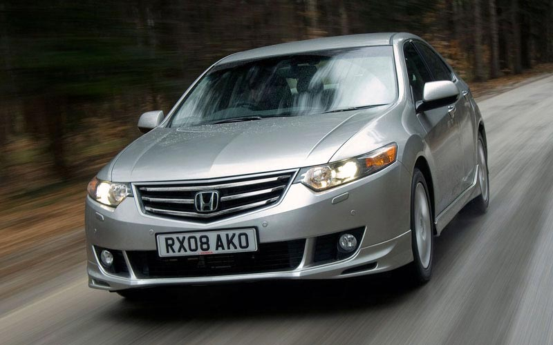 Фото Honda Accord  (2008-2012)