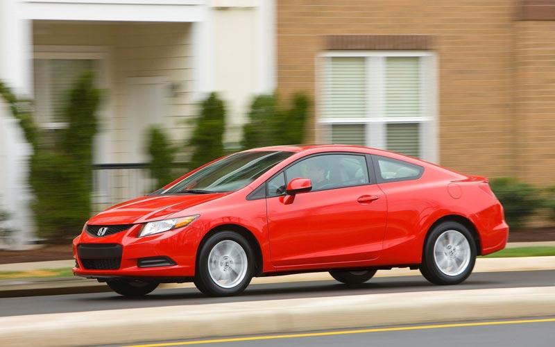 Фото Honda Civic Coupe  (2011-2015)