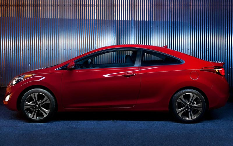Фото Hyundai Elantra Coupe