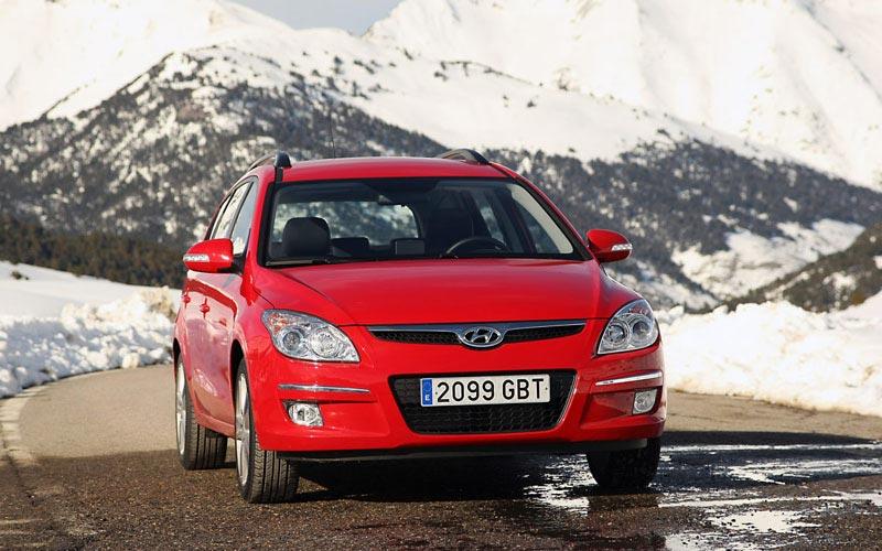 Фото Hyundai i30 CW  (2007-2011)