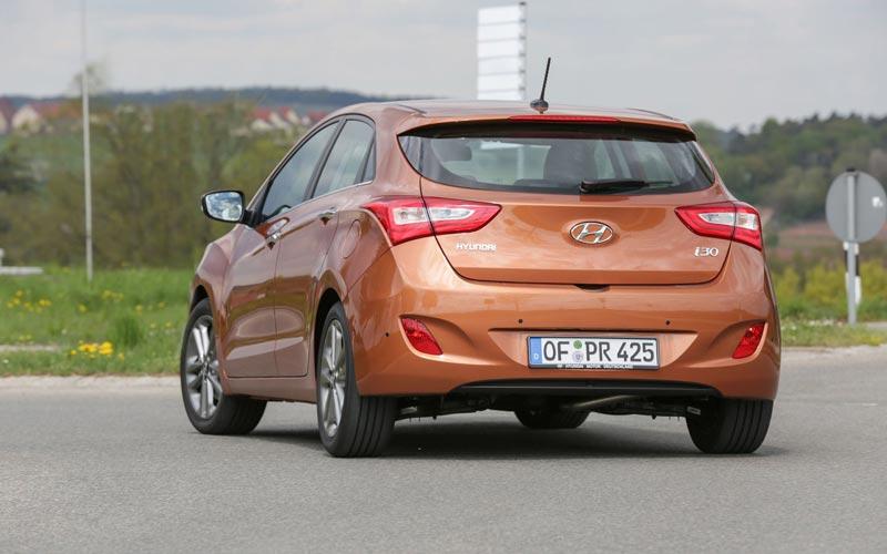 Фото Hyundai i30  (2015-2017)