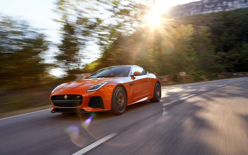 Фото Jaguar F-Type Coupe SVR