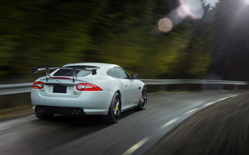 Фото Jaguar XKR-S GT