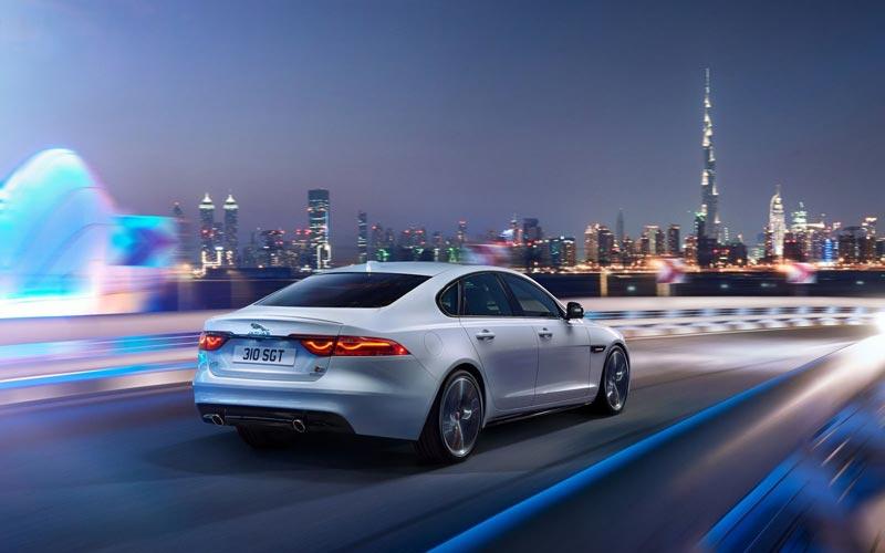 Фото Jaguar XF