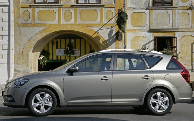 Фото Kia Ceed Sporty Wagon  (2009-2012)