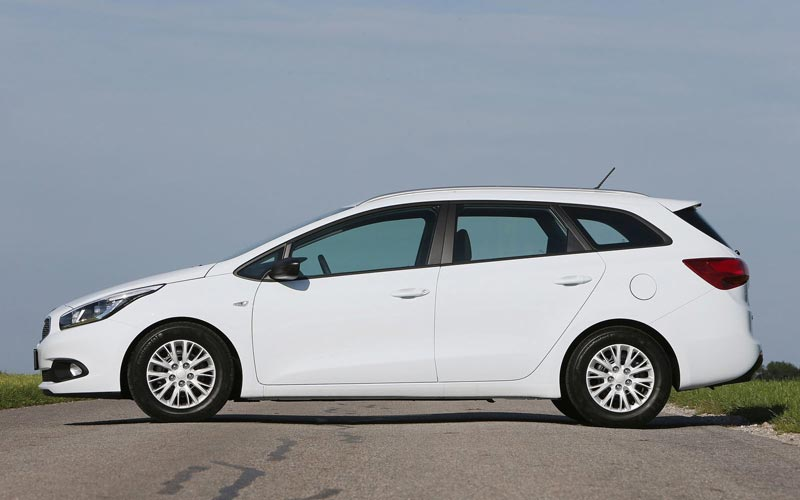 Фото Kia Ceed Sporty Wagon  (2012-2015)
