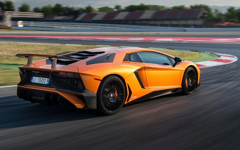 Фото Lamborghini Aventador LP 750-4 SV