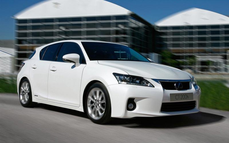 Фото Lexus CT  (2010-2013)