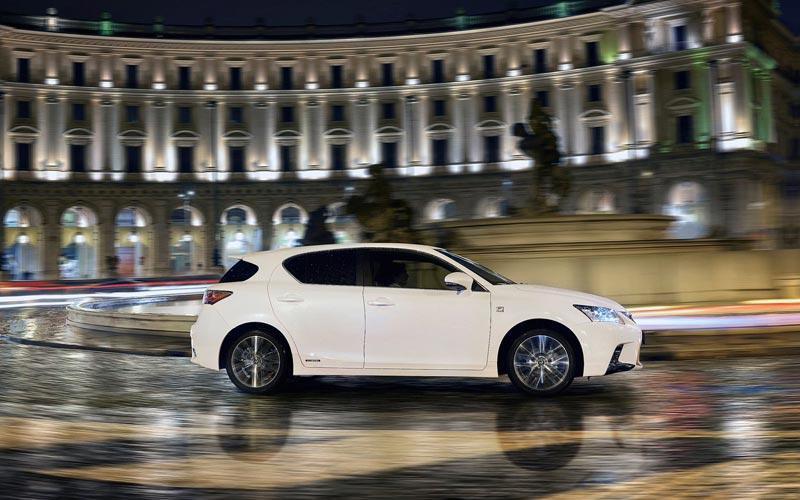 Фото Lexus CT