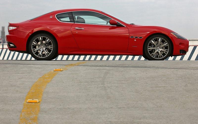 Фото Maserati GranTurismo S