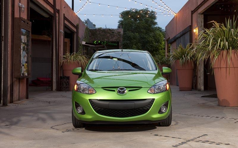 Фото Mazda 2  (2010-2014)