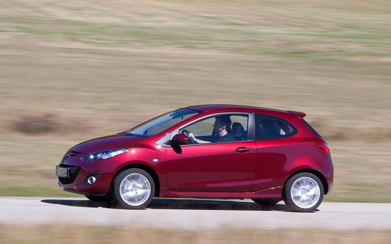 Фото Mazda 2 3-door