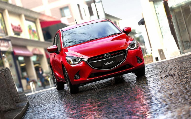 Фото Mazda 2