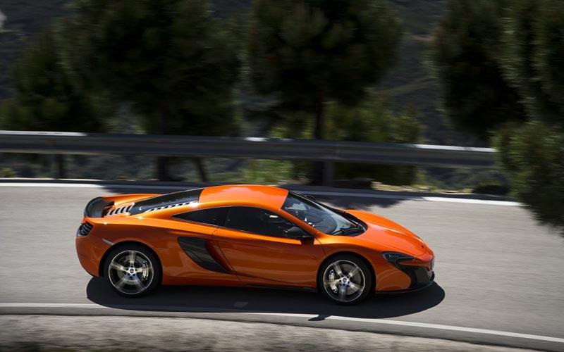 Фото McLaren 650S