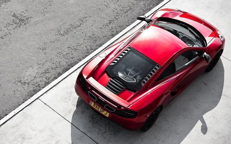 Фото McLaren MP4-12C