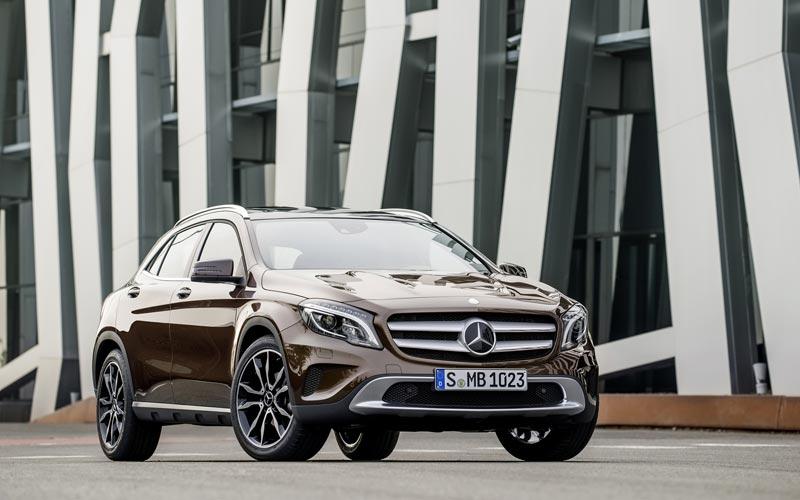 Фото Mercedes GLA  (2013-2017)