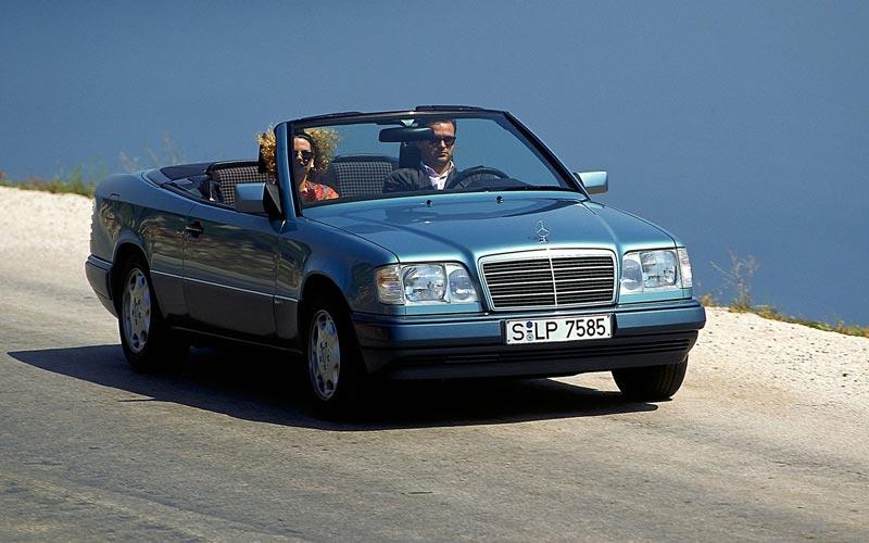 Фото Mercedes E-Class Cabrio  (1993-1997)