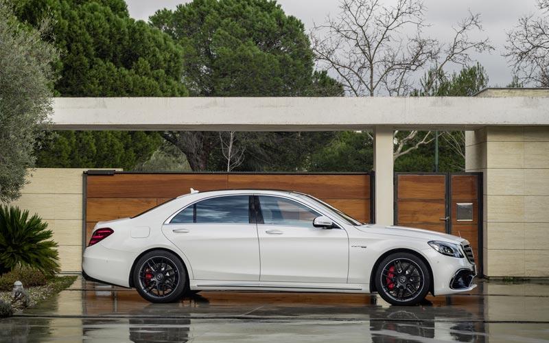Фото Mercedes S63 AMG