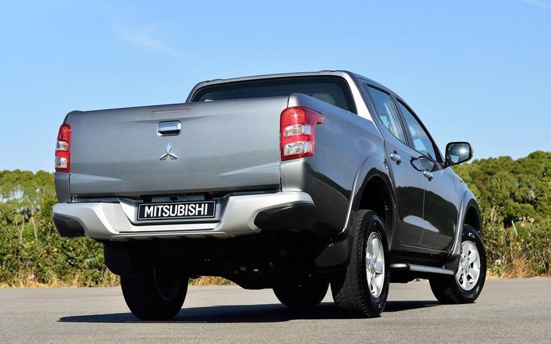 Фото Mitsubishi L200