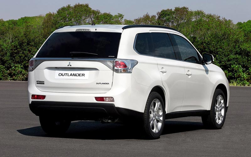 Фото Mitsubishi Outlander  (2012-2014)