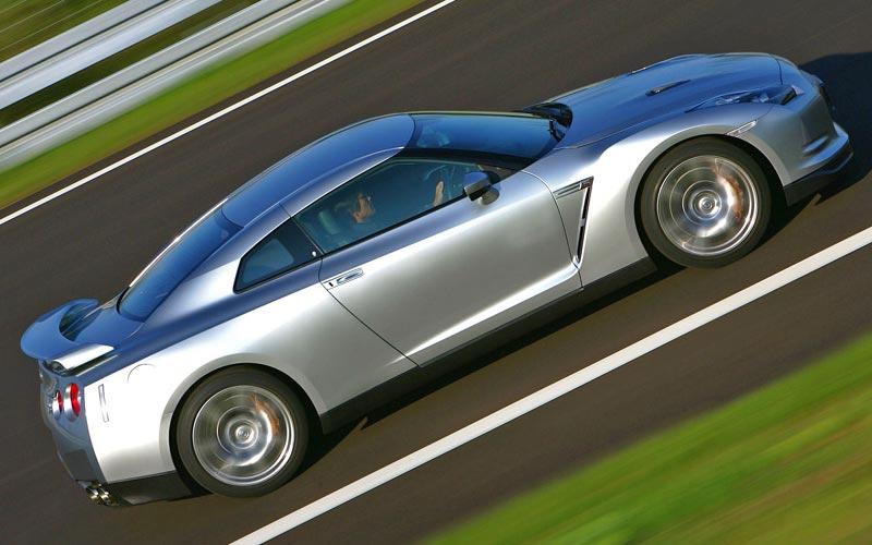 Фото Nissan GT-R  (2007-2010)