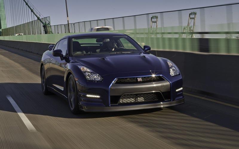 Фото Nissan GT-R  (2011-2016)
