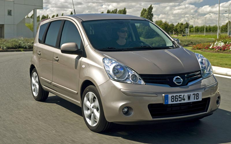 Фото Nissan Note  (2009-2014)