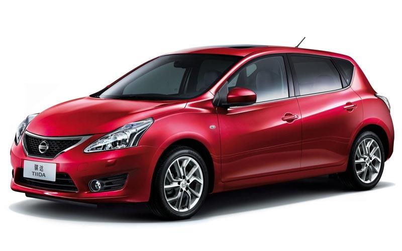 Фото Nissan Tiida  (2011-2014)