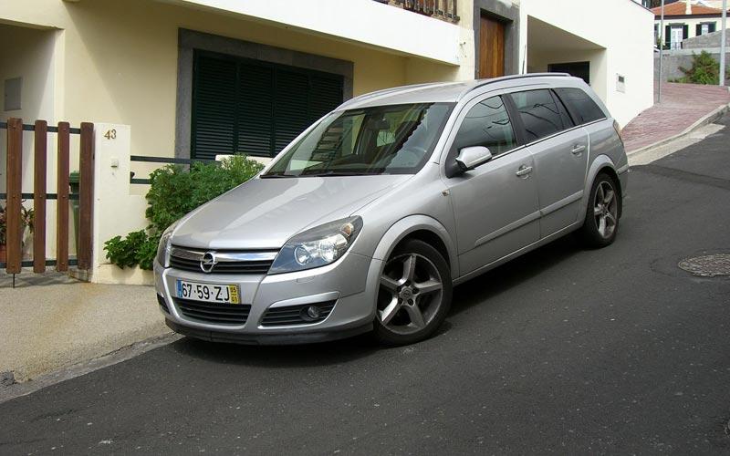 Фото Opel Astra Caravan  (2005-2015)