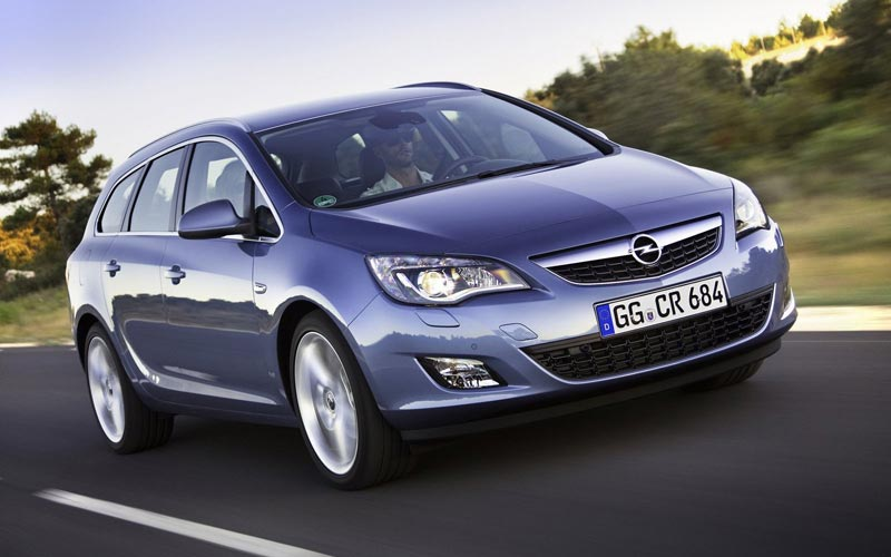 Фото Opel Astra Sports Tourer  (2010-2015)