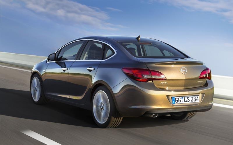 Фото Opel Astra Sedan