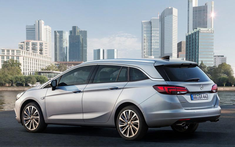 Фото Opel Astra Sports Tourer