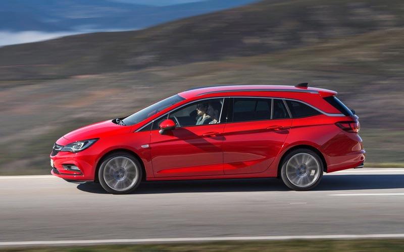 Фото Opel Astra Sports Tourer