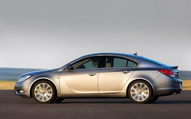 Фото Opel Insignia Hatchback  (2008-2013)