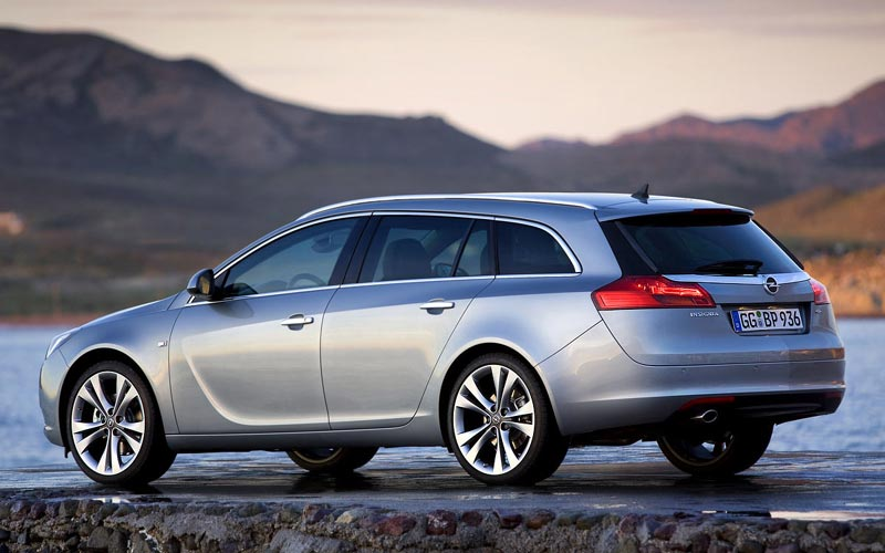 Фото Opel Insignia Sports Tourer  (2009-2013)
