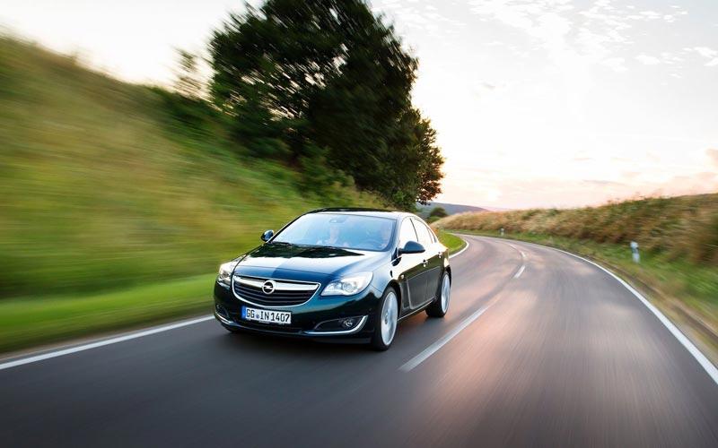 Фото Opel Insignia Hatchback