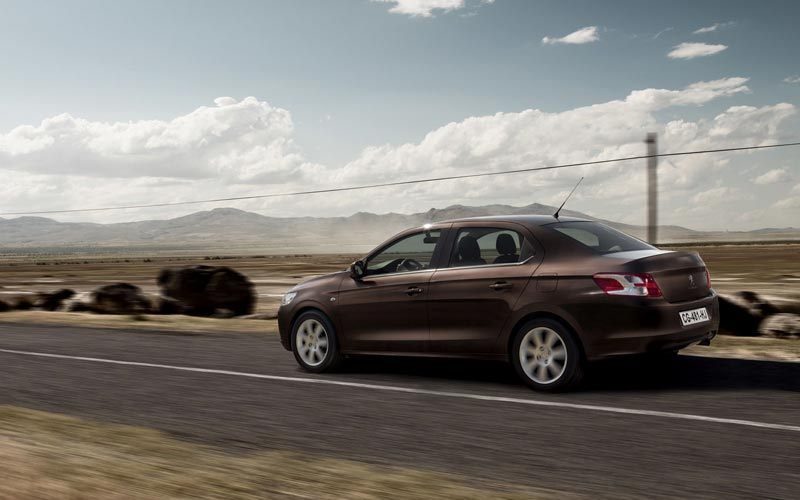 Фото Peugeot 301  (2012-2016)