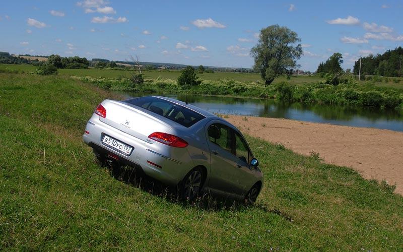 Фото Peugeot 408  (2010-2016)
