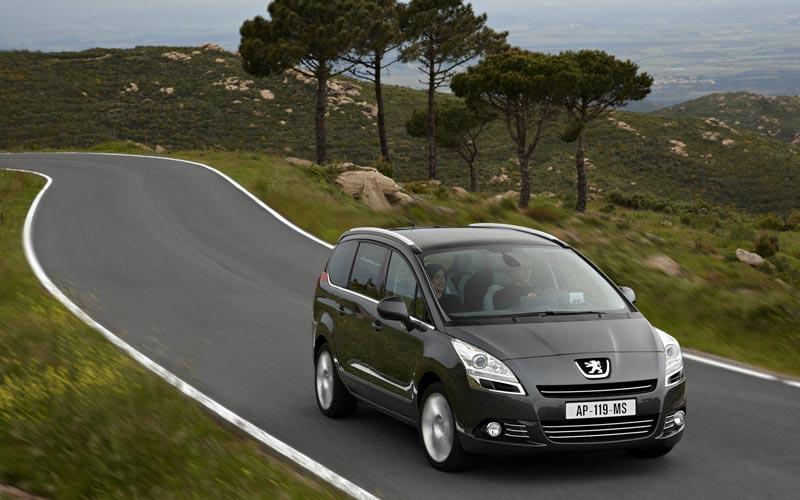 Фото Peugeot 5008  (2009-2013)