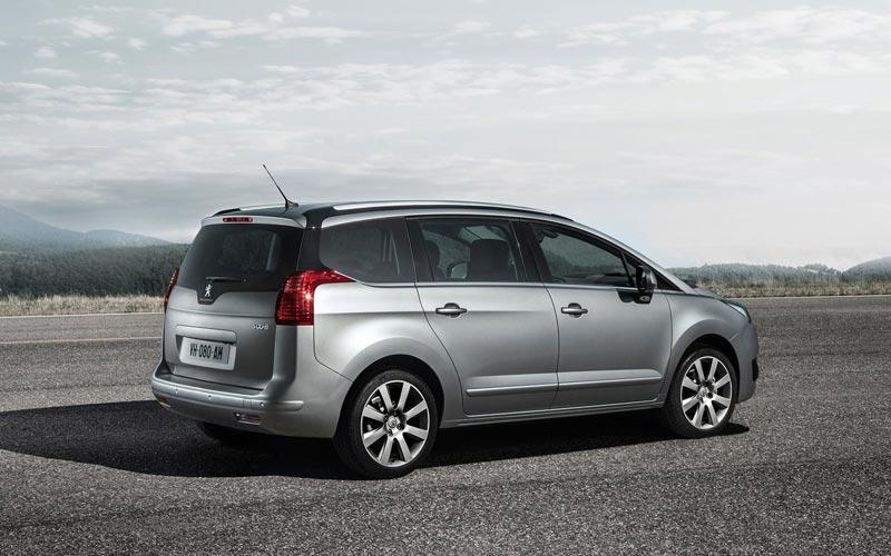 Фото Peugeot 5008  (2013-2016)