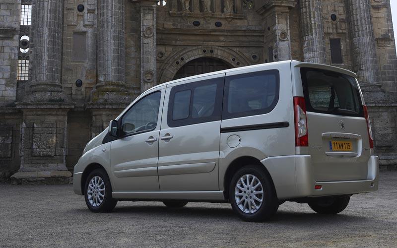 Фото Peugeot Expert Tepee  (2007-2013)