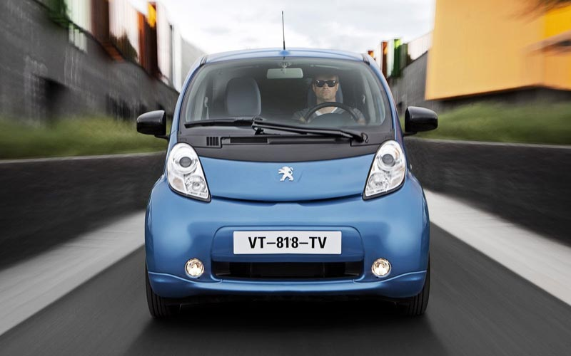 Фото Peugeot iOn