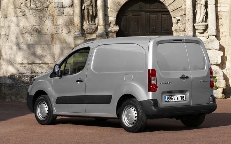 Фото Peugeot Partner  (2008-2015)