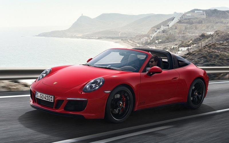Фото Porsche 911 GTS Targa