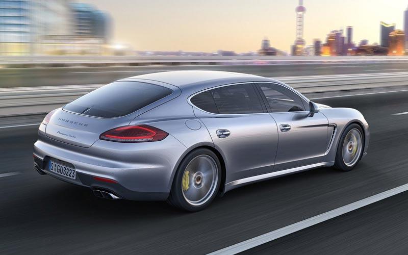 Фото Porsche Panamera  (2013-2016)