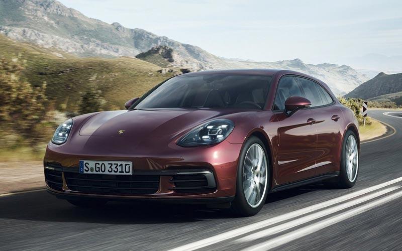 Фото Porsche Panamera Sport Turismo