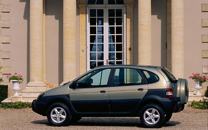 Фото Renault Scenic RX4