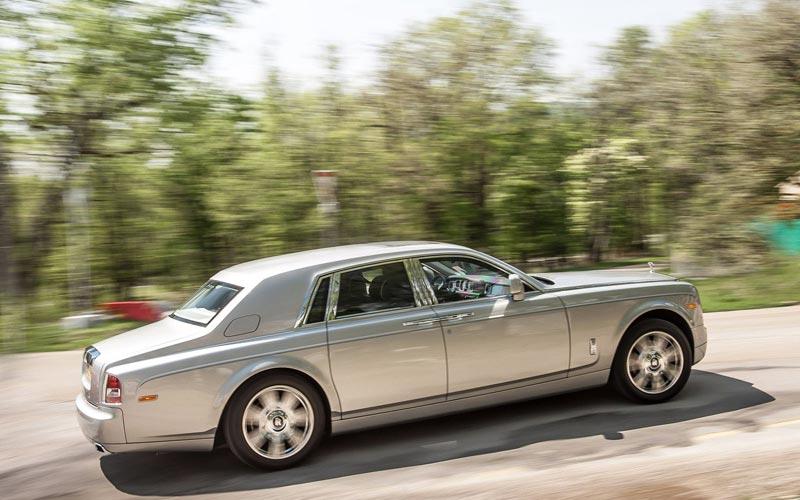 Фото Rolls-Royce Phantom  (2012-2017)