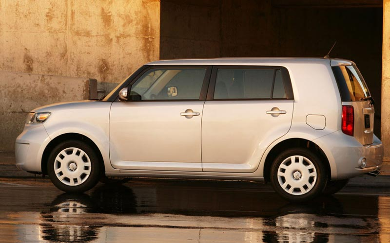 Фото Scion xB